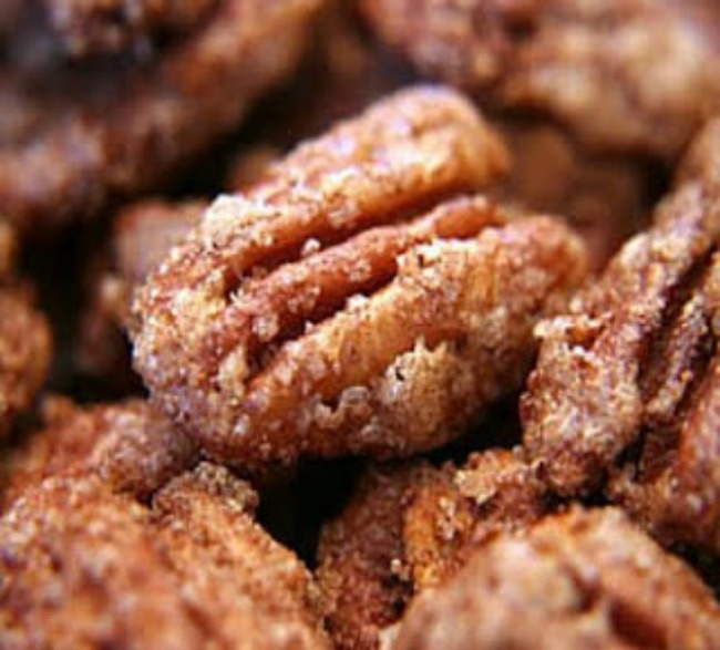 Cinnamon Sugar Roasted Pecans | The Everyday Home | www.everydayhomeblog.com