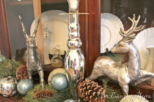 Christmas Hutch {and a photography lesson}