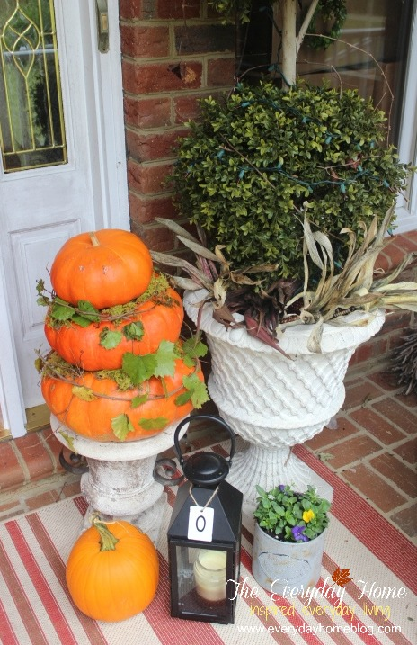 A Southern Fall Porch Tour | The Everyday Home | www.everydayhomeblog.com