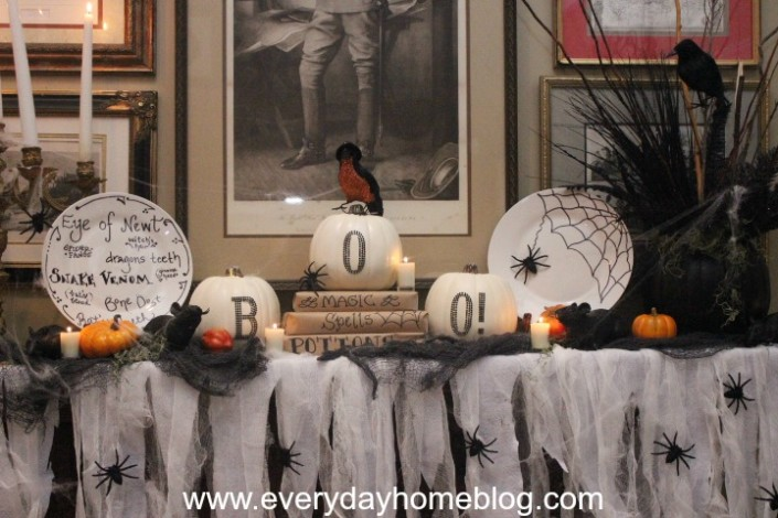 Halloween Mantel by The Everyday Home