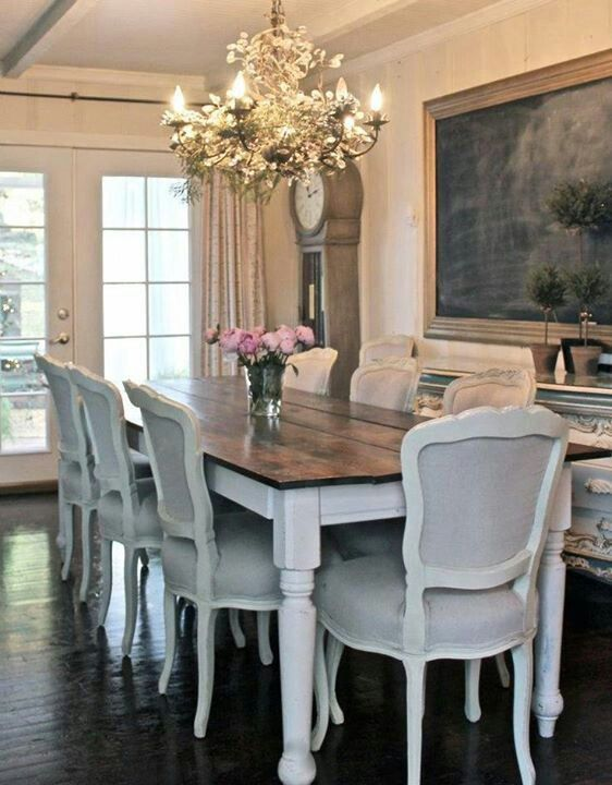 10 Farmhouse Tables You Will Love | The Everyday Home | www.everydayhomeblog.com
