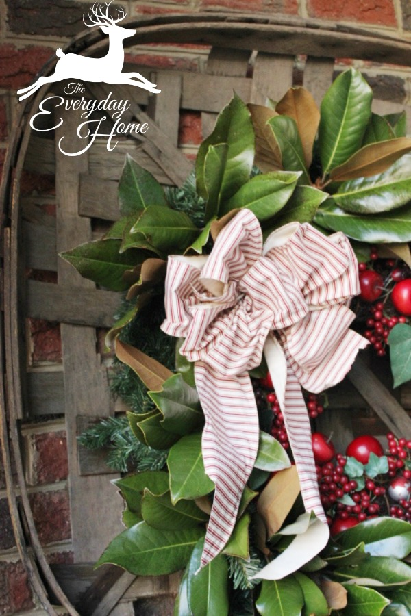 A Farmhouse Christmas Tour at The Everyday Home