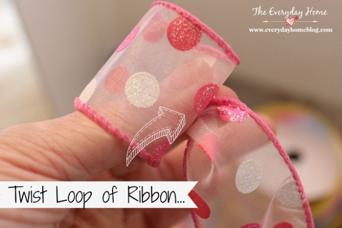 How to Create a Double-Ribbon Bow Like a Pro | The Everyday Home | www.everydayhomeblog.com