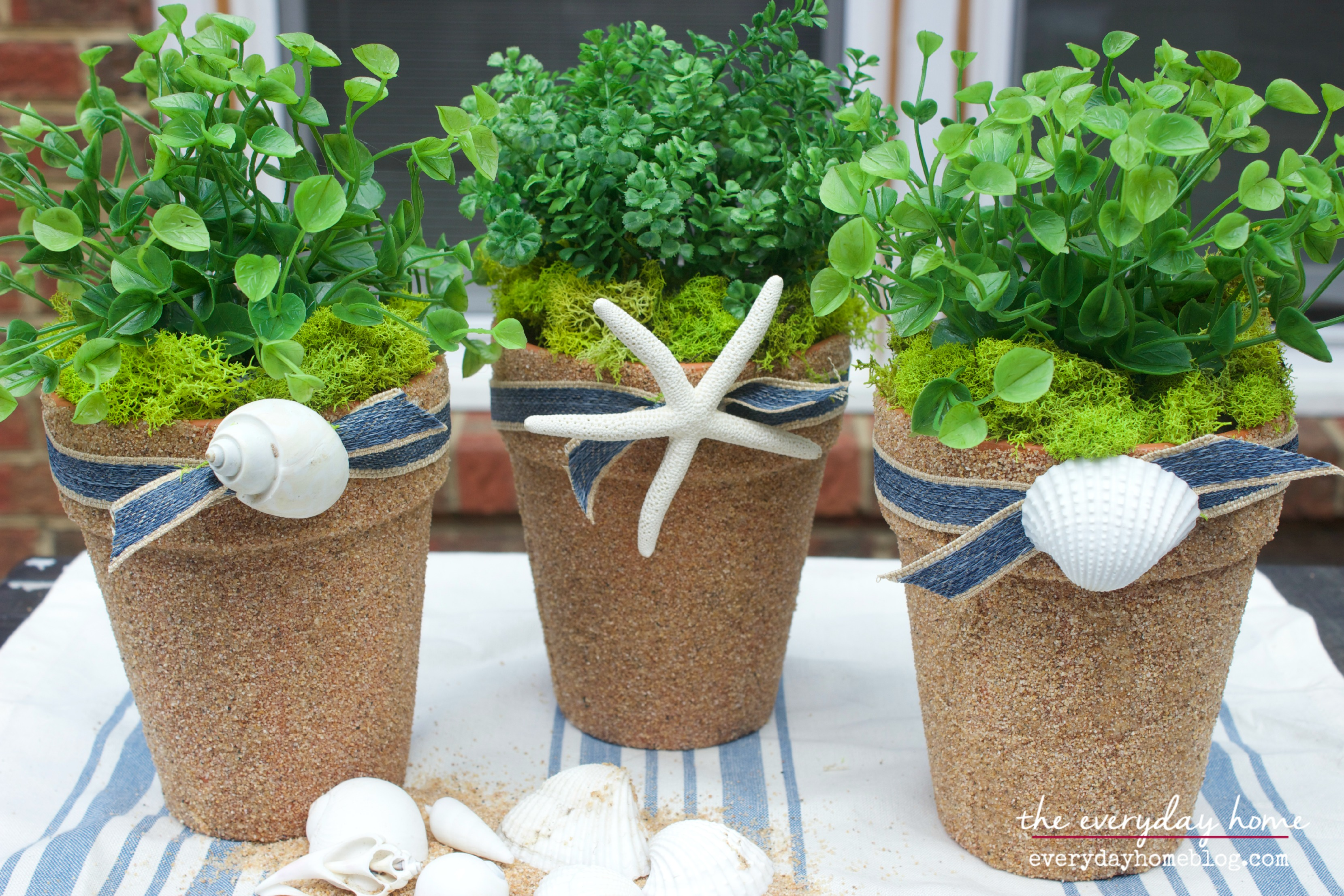 Decorating Pots with Shells by The Everyday | www.everydayhomeblog.com