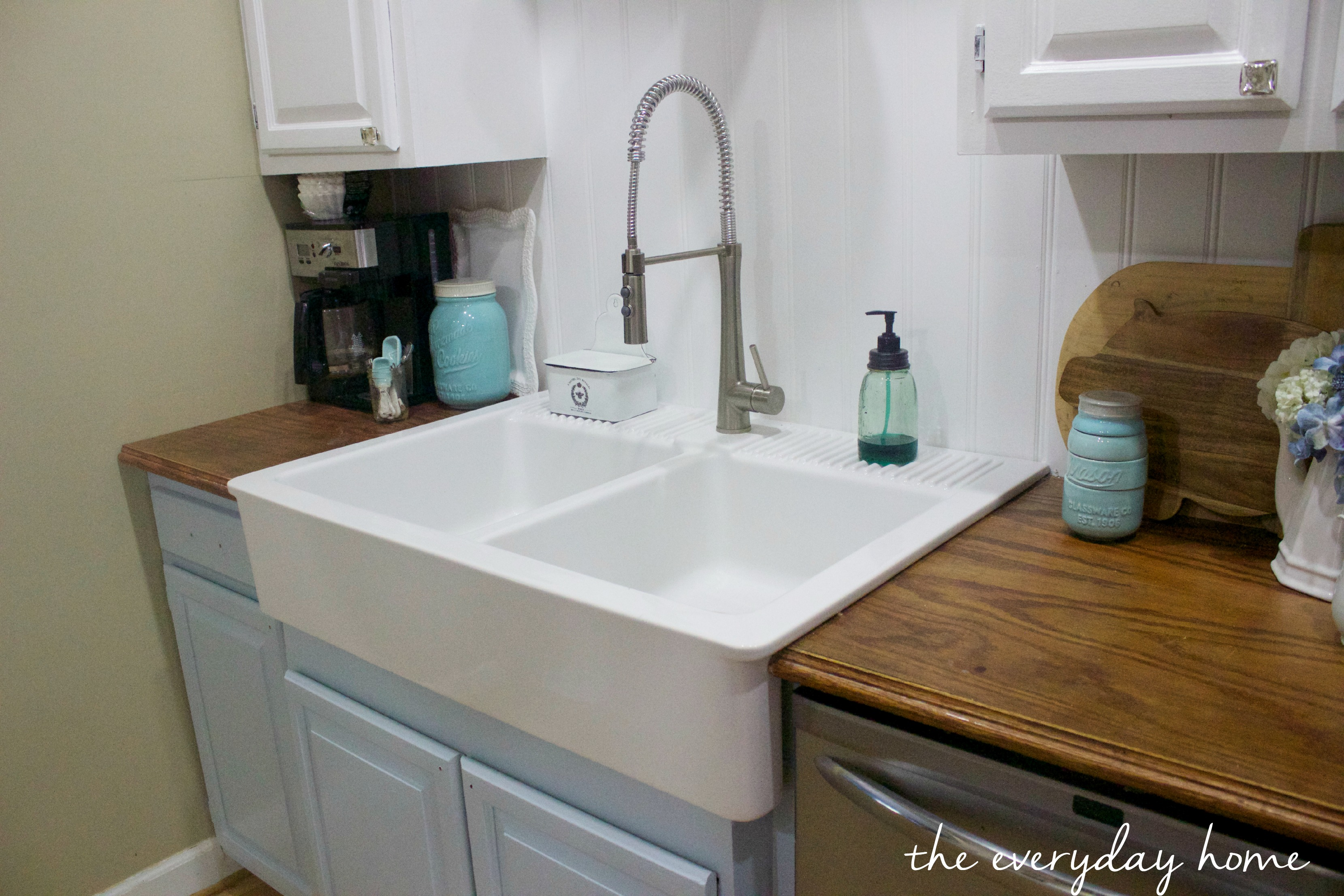 how to support a farmhouse sink