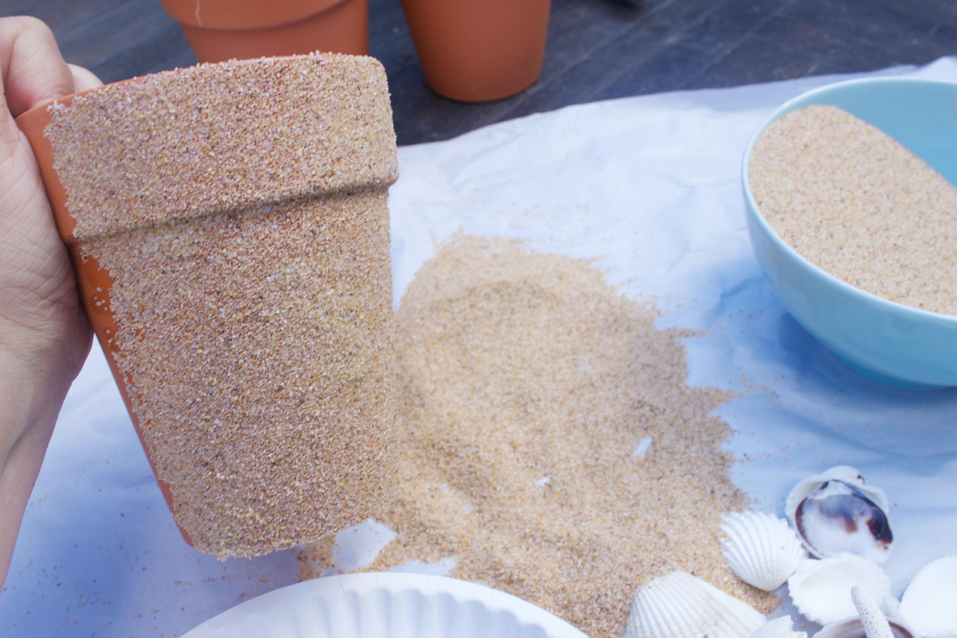 Sand Covered Clay Pots | The Everyday Home | www.everydayhomeblog.com