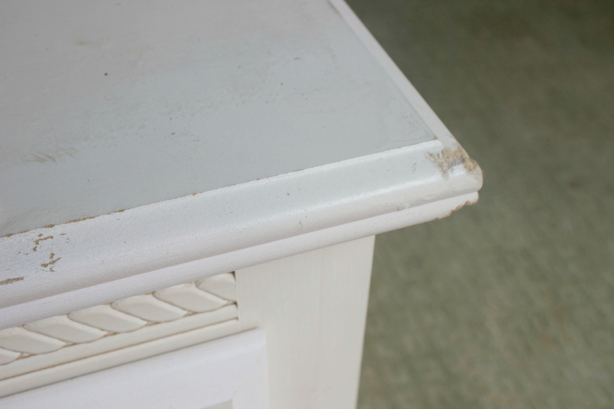 How to Fix a Damaged Table by The Everyday Home  www.everydayhomeblog.com