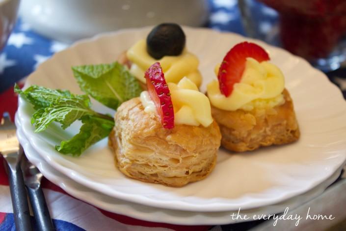 Mini Cheesecake Bites by The Everyday Home   www.everydayhomeblog.com