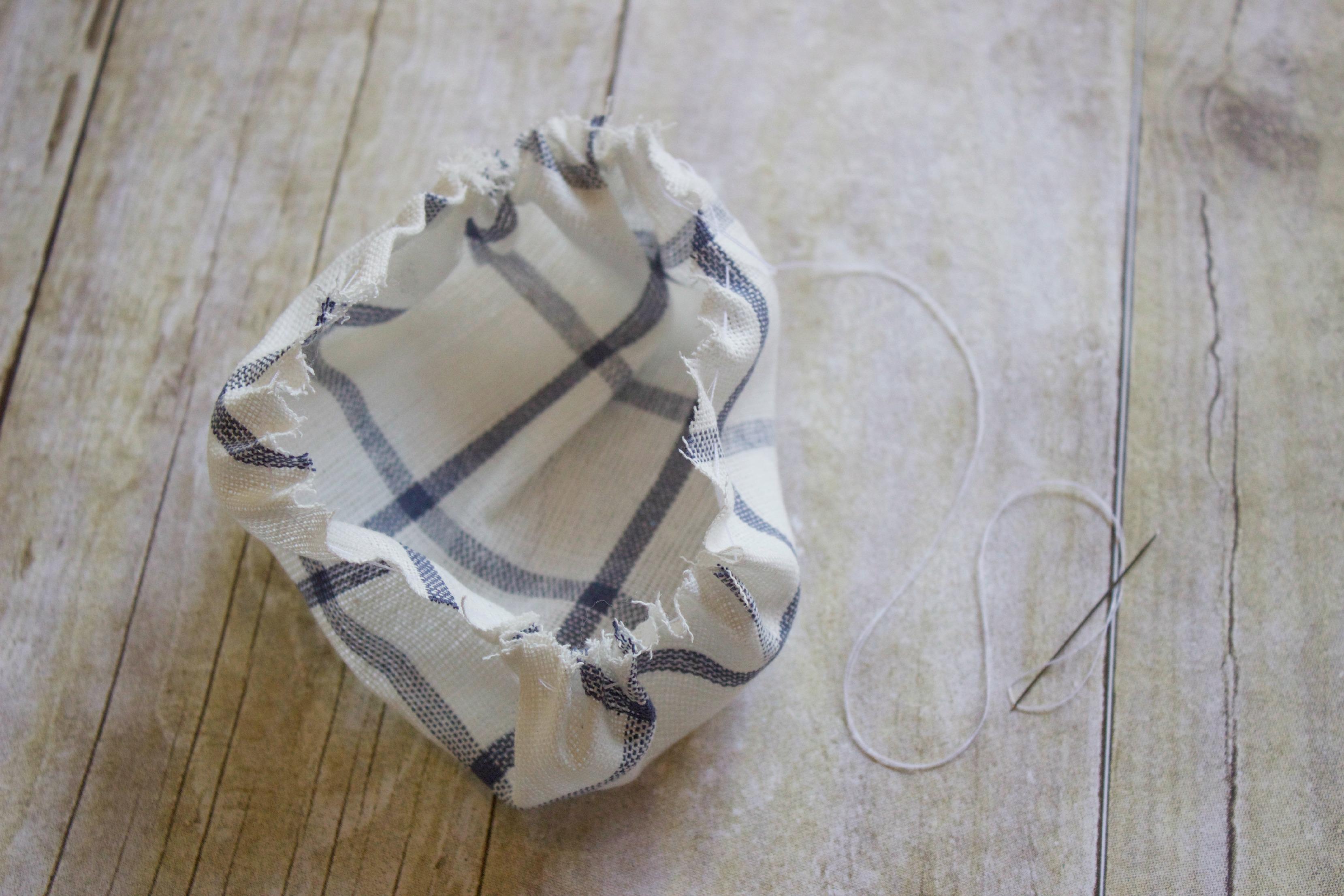 How to Make a Pin Cushion  | The Everyday Home |  www.everydayhomeblog.com