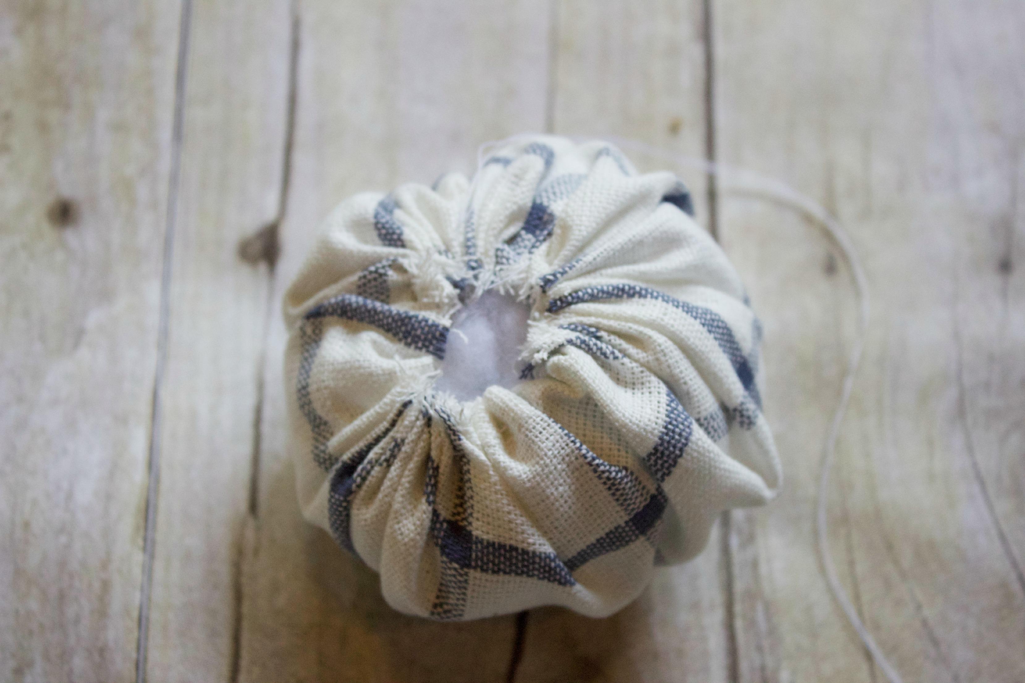 Making a Pin Cushion |  The Everyday Home |  www.everydayhomeblog.com