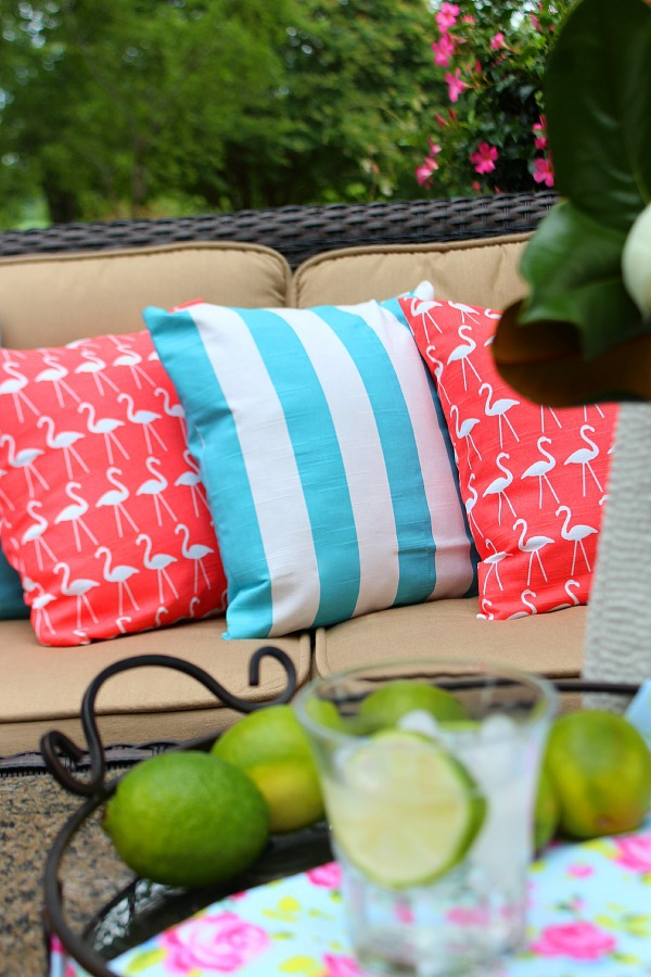 Stripes-and-Flamingos-easy-pillow-covers