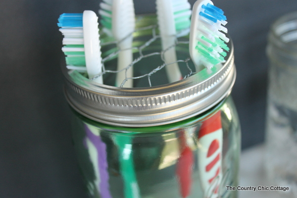 mason-jar-toothbrush-holder-004
