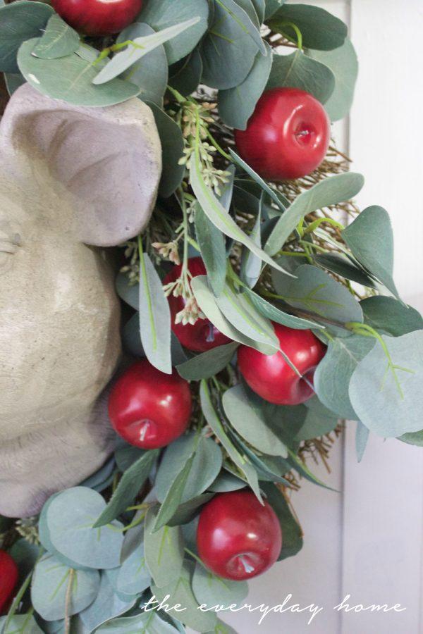Adding Apples to a Plain Wreath   The Everyday Home   www.everydayhomeblog.com