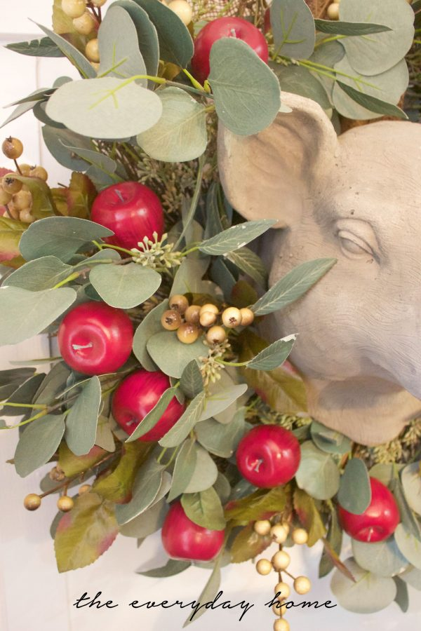 Apple and Berry Wreath | The Everyday Home | www.everydayhomeblog.com