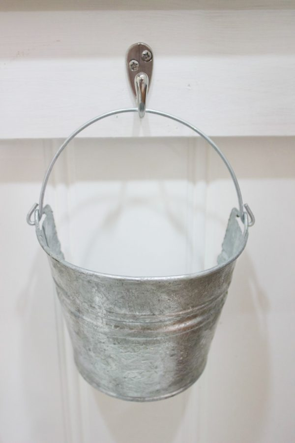 Diy Galvanized Wall Bucket The Everyday Home