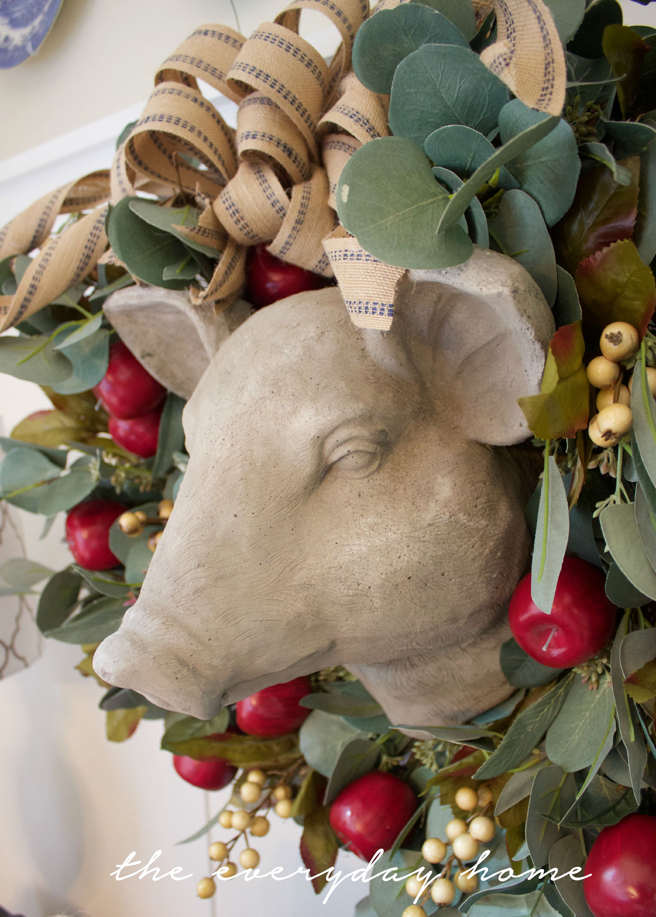 Easy Apple Wreath by The Everyday Home | www.everydayhomeblog.com