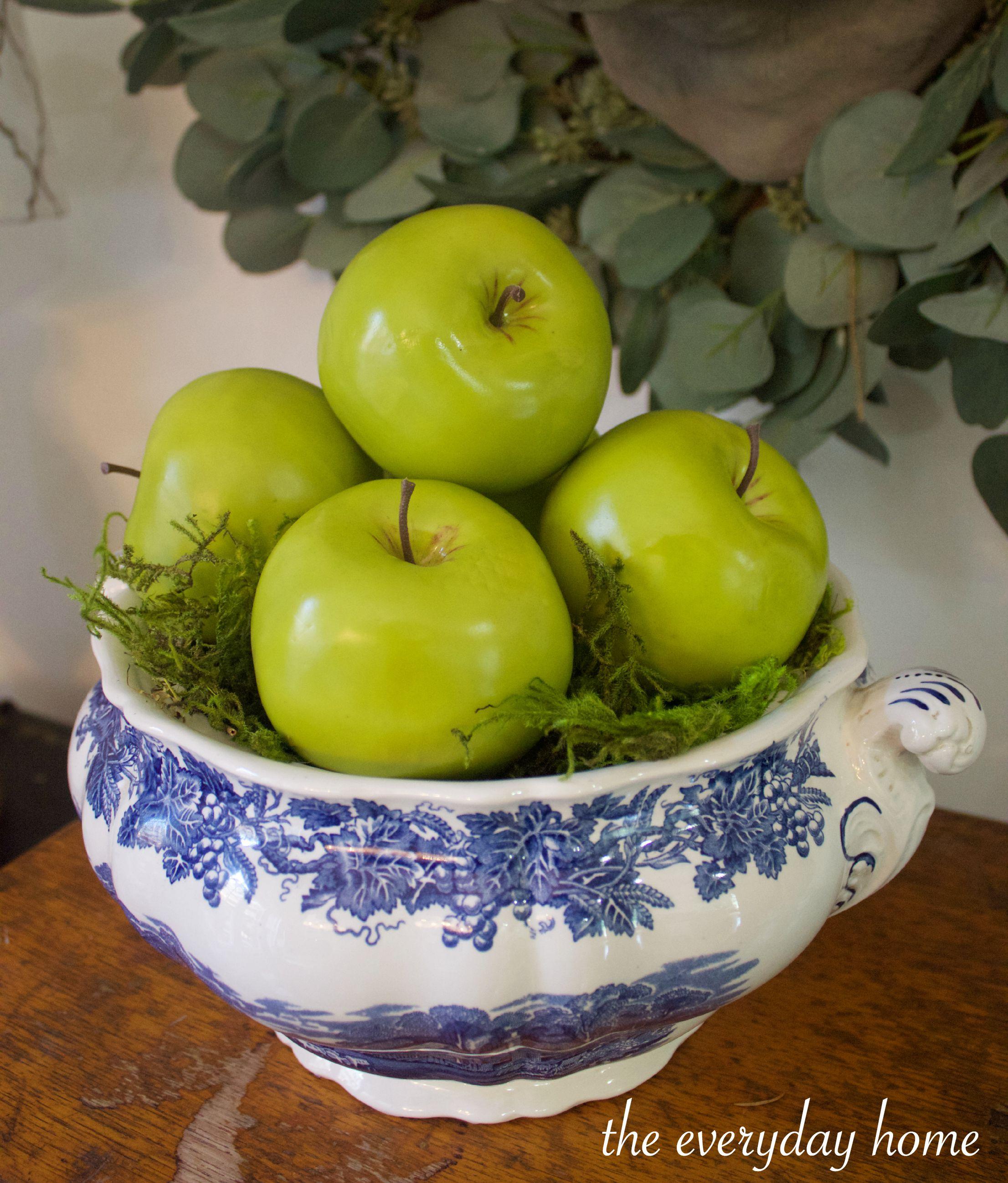 Green Apples in Blue Bowl | The Everyday Home | www.everydayhomeblog.com