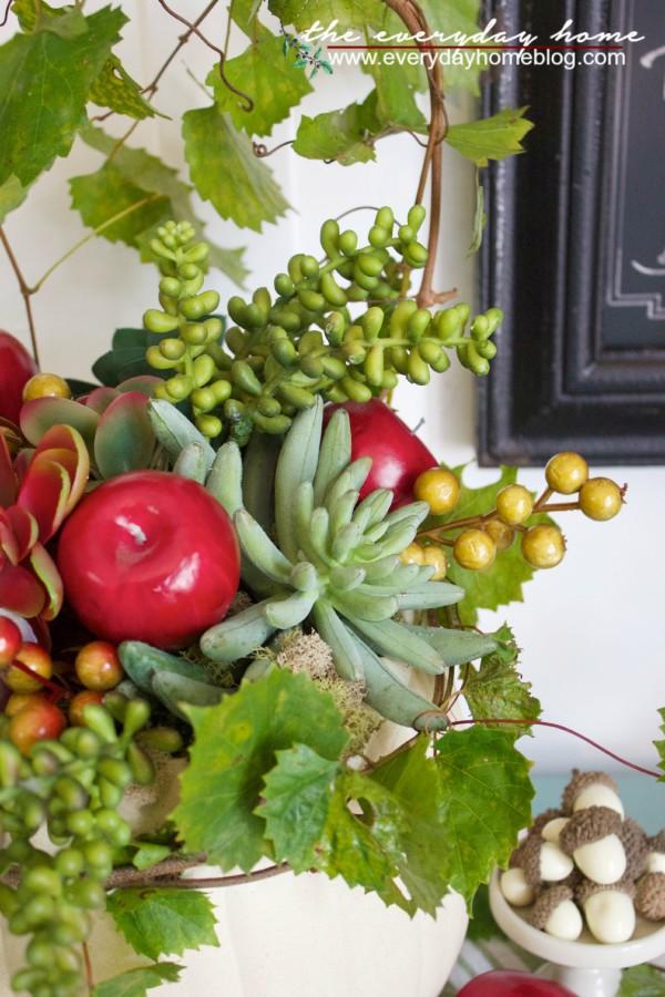Pumpkin Succulent Planter | The Everyday Home | www.everydayhomeblog.com