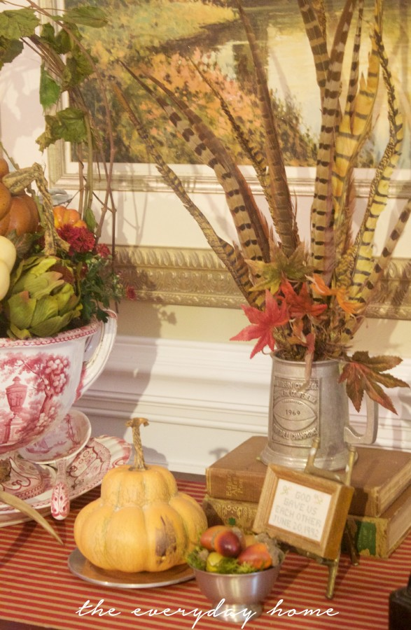 A Fall Dining Room Vignette | Fall Tour | The Everyday Home | www.everydayhomeblog.com