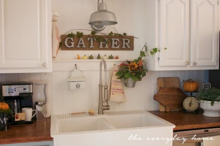 A Fall Farmhouse Kitchen | A Fall Tour | The Everyday Home | www.everydayhomeblog.com