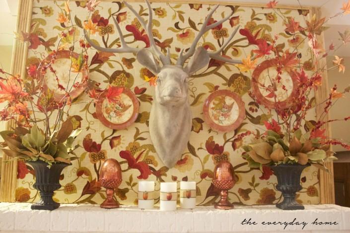 A Fall Mantel   Fall Tour   The Everyday Home   www.everydayhomeblog.com