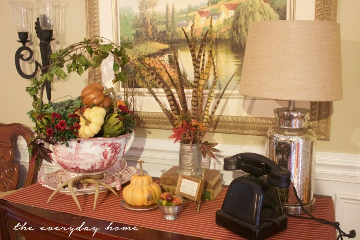 A Formal Fall Sideboard | Fall Tour | The Everyday Home | www.everydayhomeblog.com