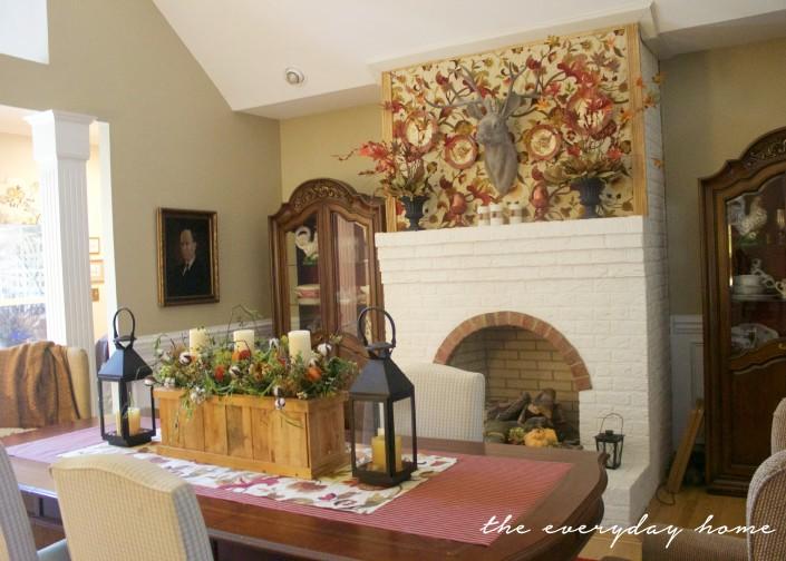 A Traditional Dining Room Dressed for Fall   A Fall Tour   The Everyday Home   www.everydayhomeblog.com