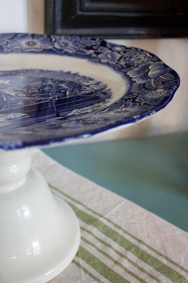 Blue and White Cake Stand | The Everyday Home | www.everdydayhomeblog.com