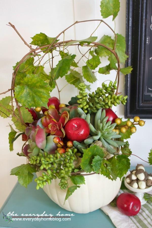 Fall Pumpkin Planter   The Everyday Home  www.everydayhomeblog.com