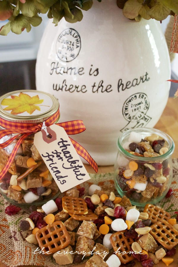 Fall Trail Mix in Jars | The Everyday Home | www.everydayhomeblog.com