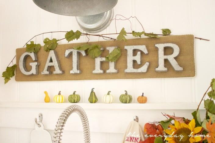 How to Make a Burlap Gather Sign | The Everyday Home | www.everydayhomeblog.com