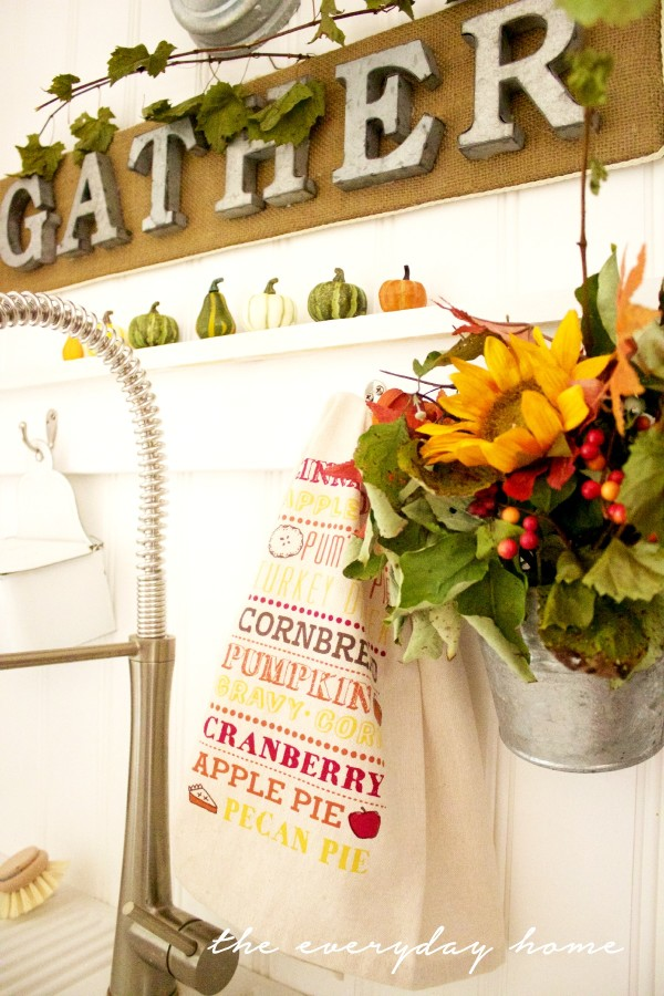 How to Make a Burlap Sign and Galvanized Wall Bucket | The Everyday Home | www.everydayhomeblog.com