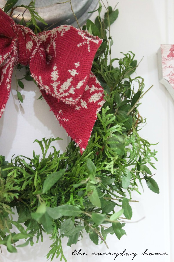 Cedar and Boxwood Wreath   The Everyday Home   www.everydayhomeblog.com