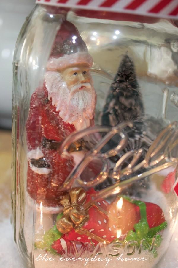 How to Make a Santa Snow Globe | The Everyday Home Blog | www.everydayhomeblog.com