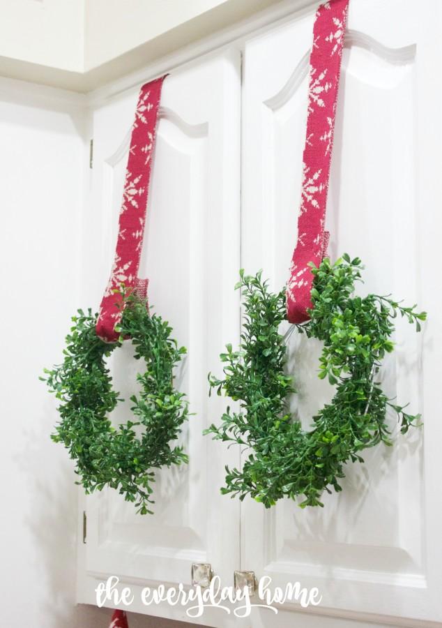 Mini Boxwood Wreaths | The Everyday Home | www.everydayhomeblog.com