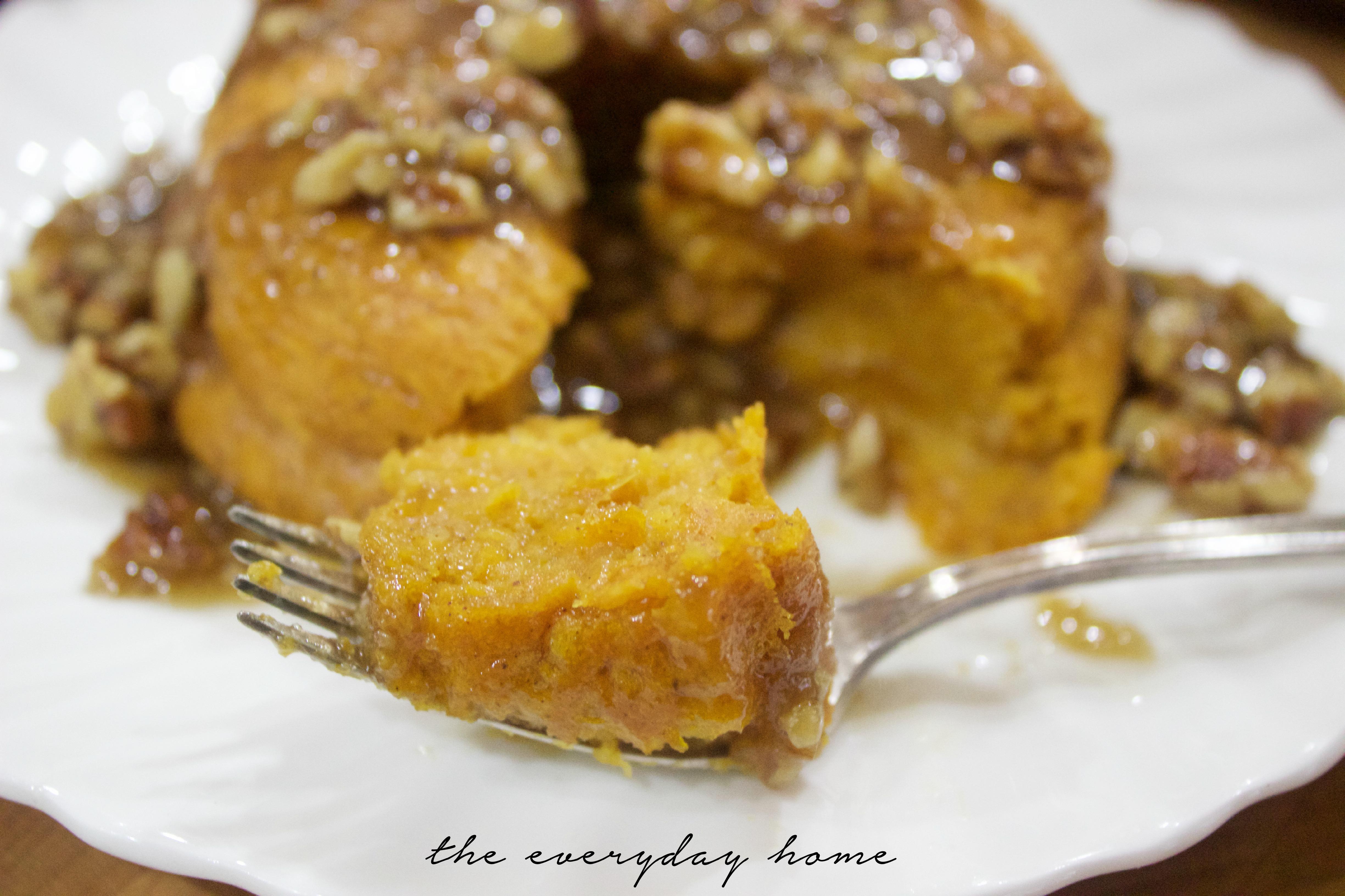 Pudding Pumpkin Cake | The Everyday Home | www.everydayhomeblog.com