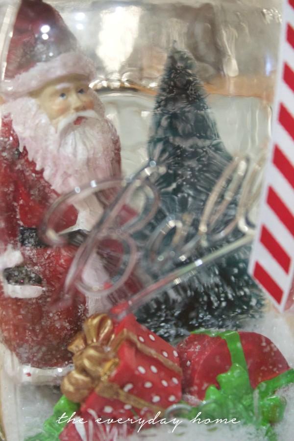 Santa Snow Globe in a Mason Jar | The Everyday Home | www.everydayhomeblog.com
