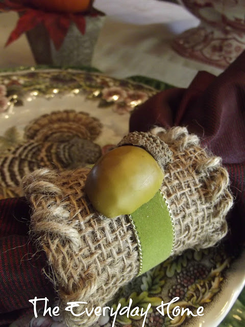 Easy Burlap and Acorn Napkin Rings | The Everyday Home | www.everydayhomeblog.com