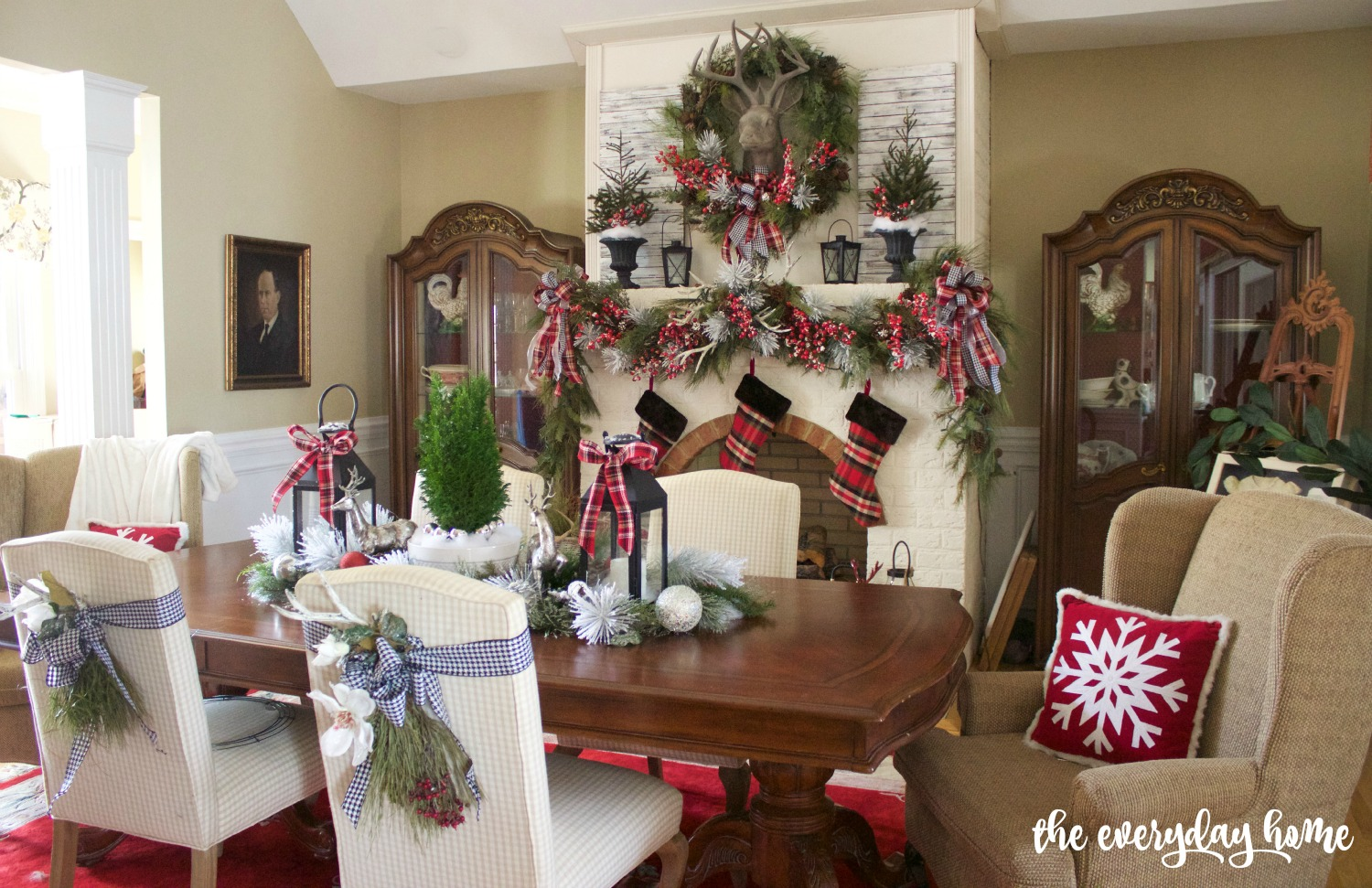 2015 Christmas Dining Room | The Everyday Home | www.everydayhomeblog.com