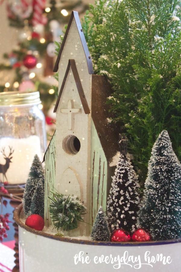 Christmas Centerpiece | The Everyday Home | www.everydayhomeblog.com