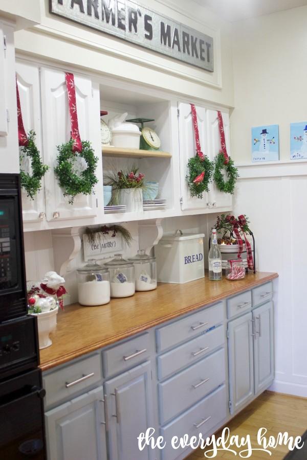 Christmas Farmhouse Kitchen | 2015 Christmas Home Tour | The Everyday Home | www.everydayhomeblog.com