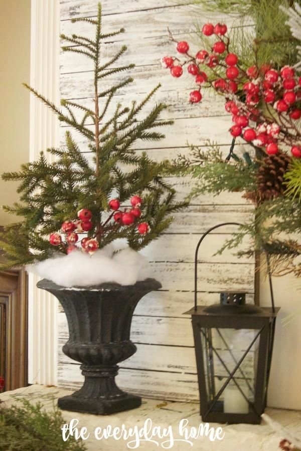 Christmas Mantel 2015   The Everyday Home   www.everydayhomeblog.com