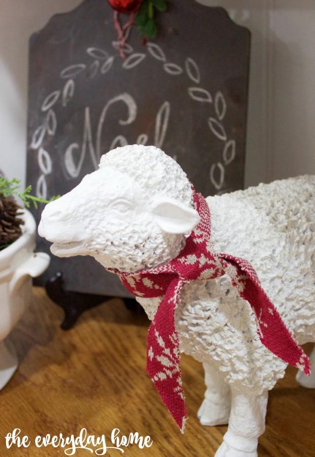 Christmas Sheep | 2015 Christmas Home Tour | The Everyday Home | www.everydayhomeblog.com
