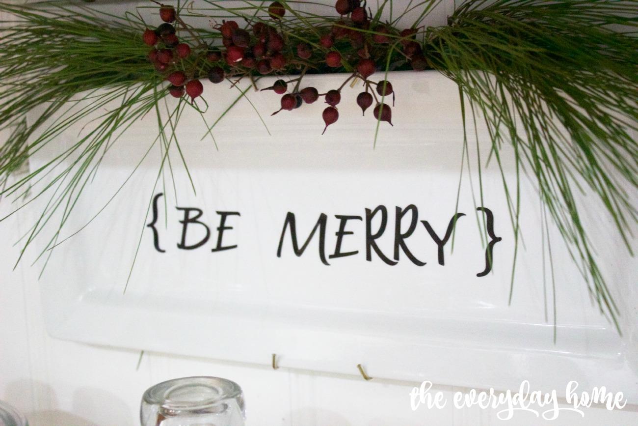 DIY Be Merry Plate   The Everyday Home Blog   www.everydayhomeblog.com