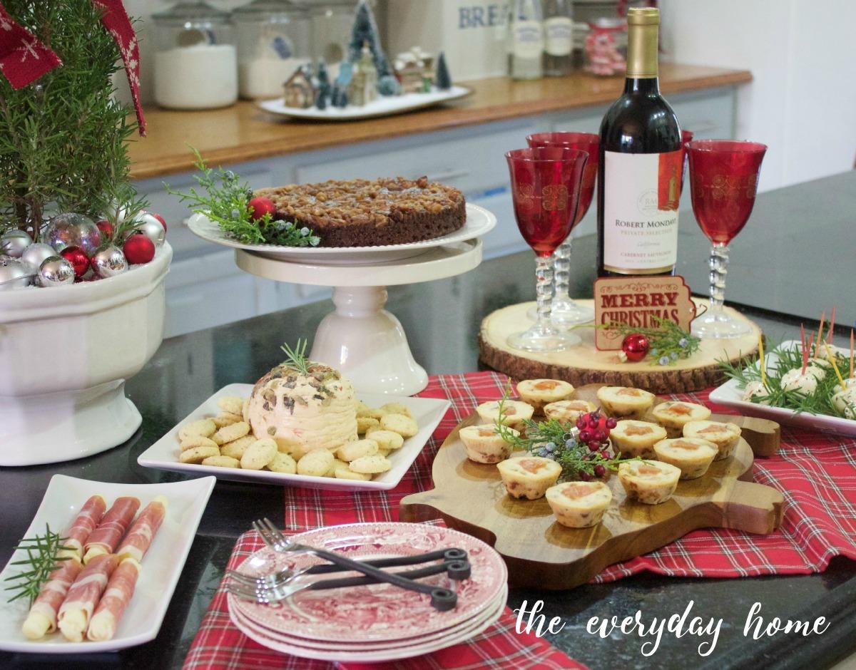Easy Christmas Mini Buffet | The Everyday Home | www.everydayhomeblog.com