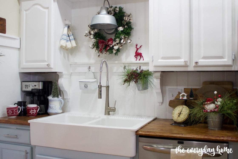 Farmhouse Sink with Christmas Wreath   2015 Christmas Home Tour   The Everyday Home   www.everydayhomeblog.com