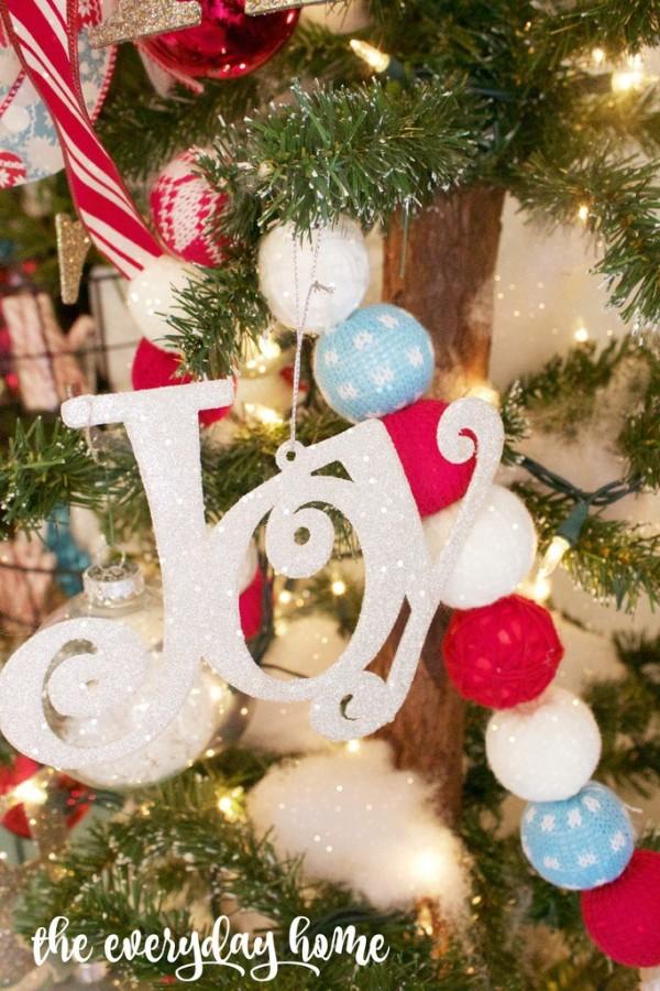Joy Christmas Vignette The Everyday Home www.everydayhomeblog.com