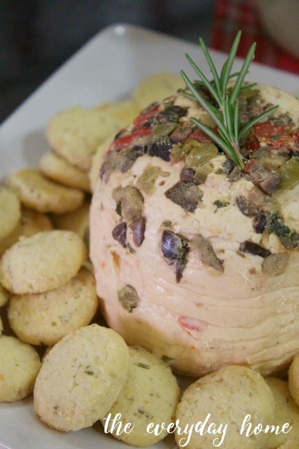 Olive and Pancetta Cheese Ball | The Everyday Home | www.everydayhomeblog.com