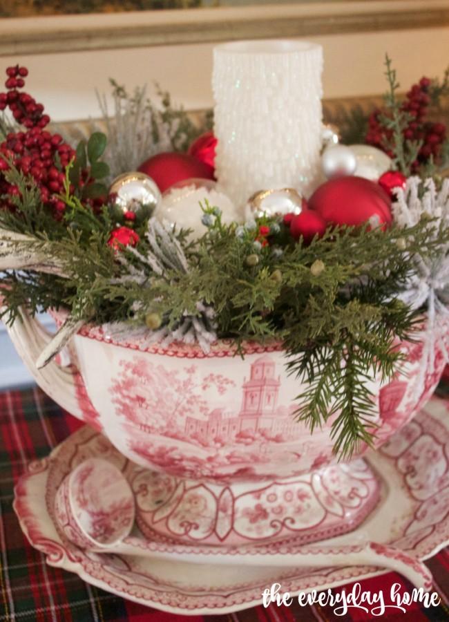Staffordshire Centerpiece | 2015 Christmas Dining Room Tour | The Everyday Home www.everydayhomeblog.com