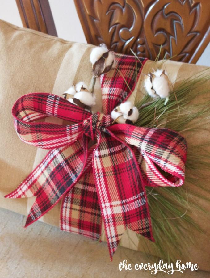 Tartan Plaid and Cotton Decorated Pillows | 2015 Christmas Dining Room Tour | The Everyday Home | www.everydayhomeblog.com
